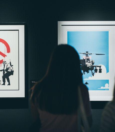 Les plus belles œuvres de Banksy exposées sur la Grand'Place de Bruxelles