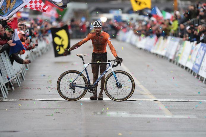 Mathieu van der Poel prolongeerde vorig jaar zijn wereldtitel.