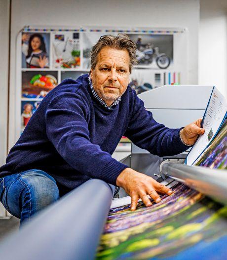 Michael drukte voor corona posters voor UEFA en het Songfestival: 'Nu maken we mondkapjes voor Gordon'