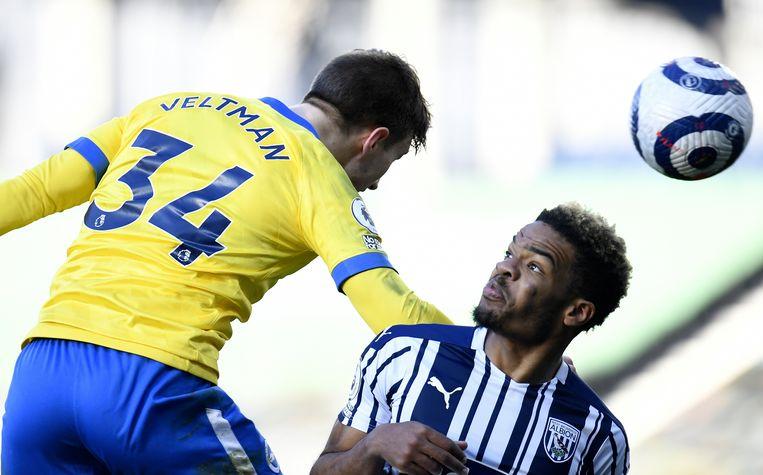 Sinds zijn transfer naar Brighton in de zomer van 2020 speelt Joël Veltman met rugnummer 34. Beeld EPA