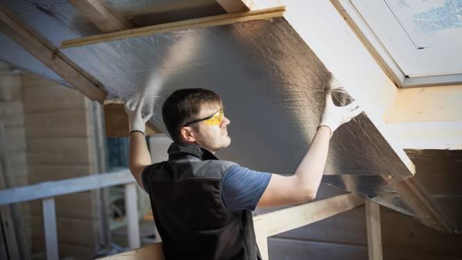Nieuwe klap voor (ver)bouwers: productiepanne drijft isolatieprijzen verder op