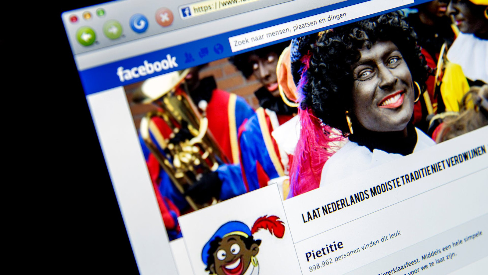 Facbook maakt korte metten met afbeeldingen van Zwarte Piet en blokkeert nog steeds accounts die hun vriendenbestand willen uitbreiden, zoals die van Democraten.Nu.