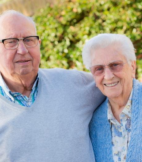 Tilburgs echtpaar is 70 jaar getrouwd: 'Een bietje lief zijn voor elkaar hoort erbij'