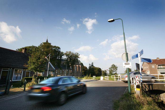 Westbroek zucht al jaren onder sluipverkeer. Vooral tijdens de spits. Een slimme camera gaat hier een einde aan maken.