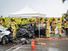 Drie gewonden na frontale botsing Nieuw-Beijerland