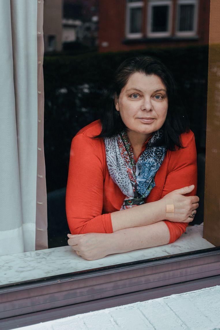 Ruth De Bondt: 'We laten nog altijd alle boodschappen thuis leveren, ik heb nauwelijks sociale contacten.' Beeld Damon De Backer