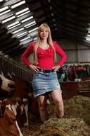 Rozan stond op de cover van de boerinnenkalender 2020 en is verkozen tot één van de zestien boerinnen voor de jubileumeditie.