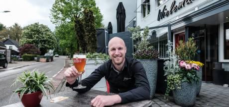 Na het gratis ontbijt meedingen naar de prijs voor 'langste terraszitter' tijdens WK terraszitten