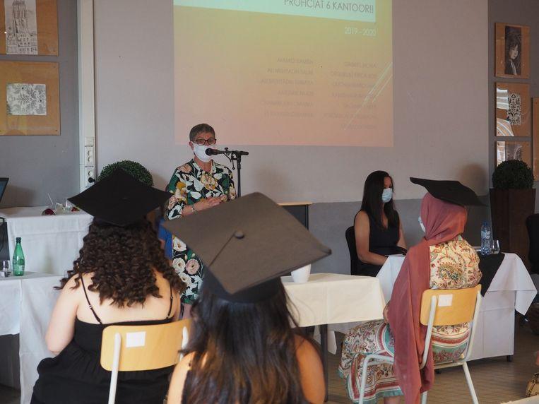 Busleyden Atheneum Campus Stassart organiseert niet een, maar acht problamaties. Met Raymonda Verdyck