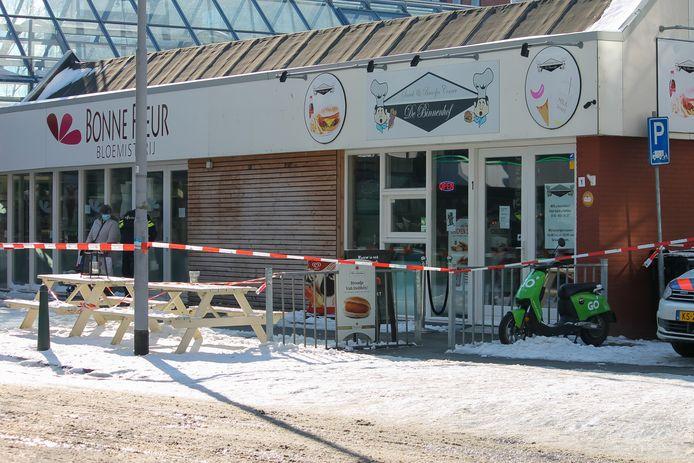 De overval vond woensdag rond 12.45 uur plaats.
