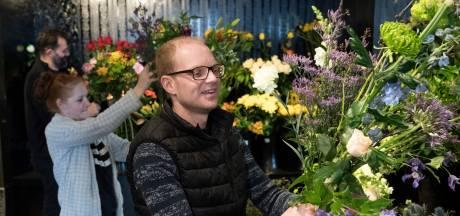 De bloemist kan het online amper bijbenen; boeketjes als hart onder de riem in tijden van corona