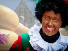 Gouda kleurt deel Zwarte Pieten goudgeel bij intocht