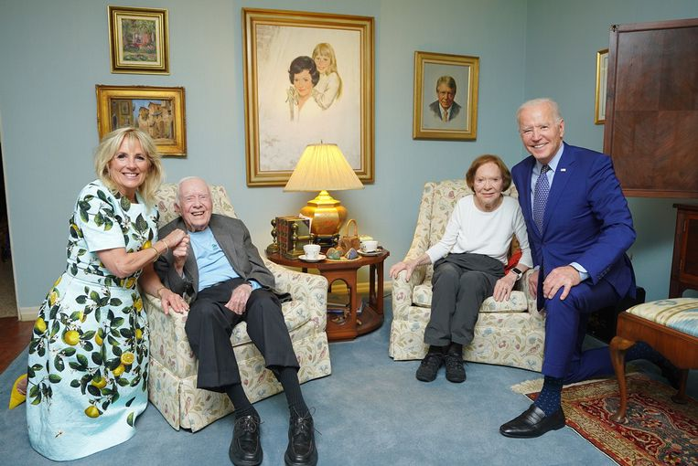 Van links naar rechts: Jill Biden en Jimmy Carter, Rosalynn Carter en Joe Biden. Beeld The Carter Center