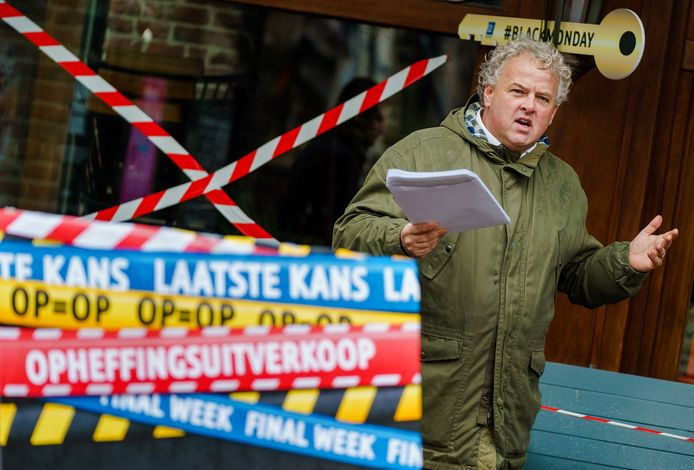 Voorzitter Rober Willemsen van Koninklijke Horeca Nederland vreest dat de aanpak van de coronacrisis er niet gemakkelijker op wordt nu minister Eric Wiebes per direct is opgestapt.