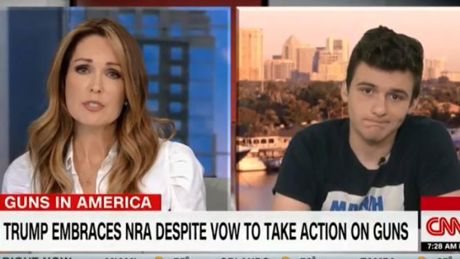 """Overlever schoolschietpartij haalt zwaar uit naar Trump na NRA-speech: """"Hij is een professionele leugenaar"""""""