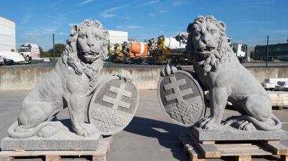 Replica's van Australische leeuwen van Menenpoort klaar