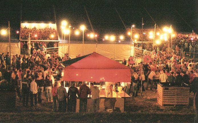 Het drukbezochte Dijkfeest in Espel: een traditie in de Noordoostpolder.