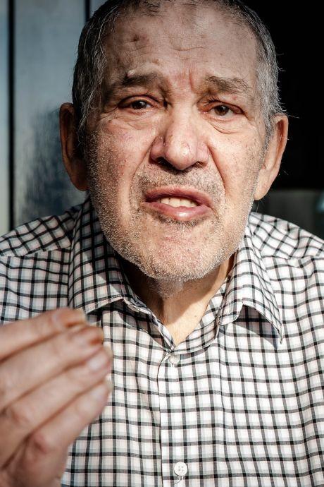 'Vergeten' schrijver Lex Kroon blijft nuchter onder zijn plotselinge succes: 'Alles is zo betrekkelijk'