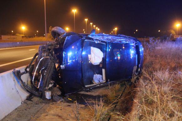 Bestuurder als bij wonder ongedeerd na zwaar ongeval op E17
