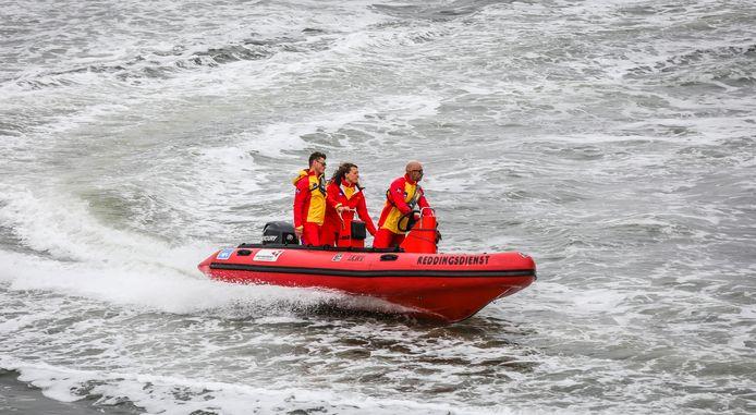 Illustratiebeeld. De strandredders in actie aan de Belgische kust.