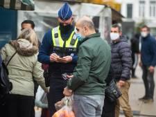 """Politie controleert naleving coronamaatregelen op Rooseveltplaats en Sint-Jansplein: """"Meeste mensen dragen braaf hun mondmasker"""""""