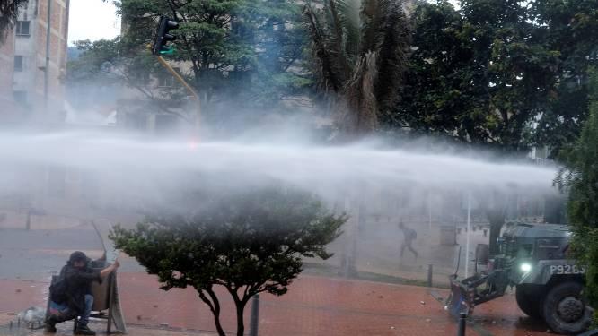 Schokkende beelden van aanhoudende protesten in Colombia: politie schiet erop los, dodental stijgt