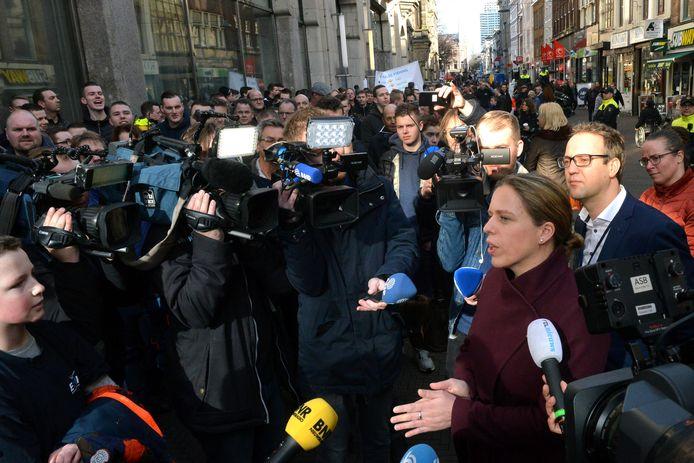 Minister Carola Schouten in februari 2019 tijdens een demonstratie van pulsvissers in Den Haag.