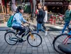 """Waarom buitenlandse studenten op kleurrijke kinderfietsjes rijden: ,,Ik heb het gevoel dat ik ieder moment kan sterven"""""""