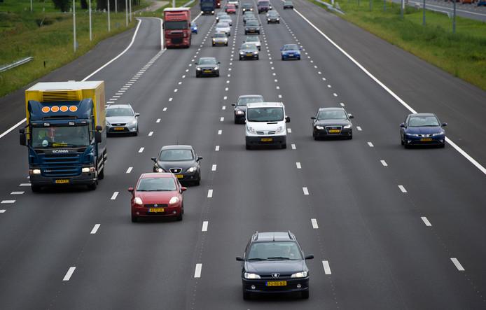 De beveiliging van verschillende leasemaatschappijen was niet op orde. Professionele autodieven kunnen zo dure auto's of onderdelen stelen.
