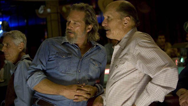 Jeff Bridges (l.) en Robert Duvall in 'Crazy Heart'. Beeld Reuters