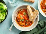 Kipstoof met tomaat en oregano