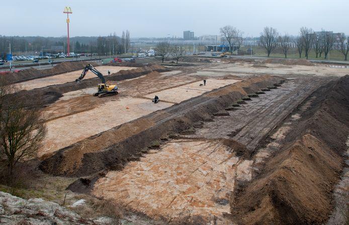 Voordat de huidige Park & Ride Meerhoven werd aangelegd bij de Noord-Brabantlaan, deden archeologen hier onderzoek. Ze legden in 2012 de resten bloot van van een nederzetting uit het begin van de jaartelling.