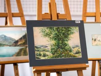 """Duits veilinghuis onder vuur: vijf schilderijen van Adolf Hitler vandaag onder de hamer, tientallen andere """"mogelijk vervalst"""""""