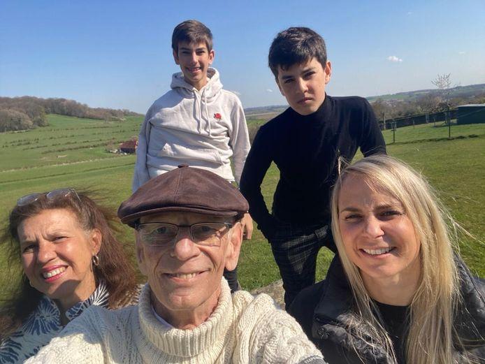 Coen met z'n familie, v.l.n.r. echtgenote Ingrid Masselink, zonen Leon en Jordi en dochter Michelle.