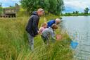 Waterpoort Weekend is een van de activiteiten van Waterpoort. Er is dan bij bezienswaardigheden in de regio van alles te doen, zoals hier bij Fort Sabina nabij Heijningen.