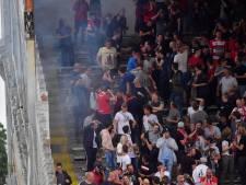 Antwerpfans die voetzoeker afstaken in Bosuilstadion, komen weg met werkstraf van 150 uur