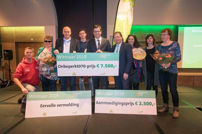 Uitreiking Onbeperkt070-prijs door wethouder Karsten Klein.(Den Haag 19-03-18) Foto:Frank Jansen