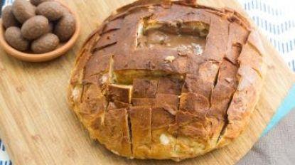 Bak zelf een heerlijk zoet suikerbrood met een hart van chocolade