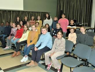 """35 leerlingen van basisschool Campus Glorieux brengen kerstconcert met Sint-Gregoriuskoor: """"Samen zingen verbindt"""""""
