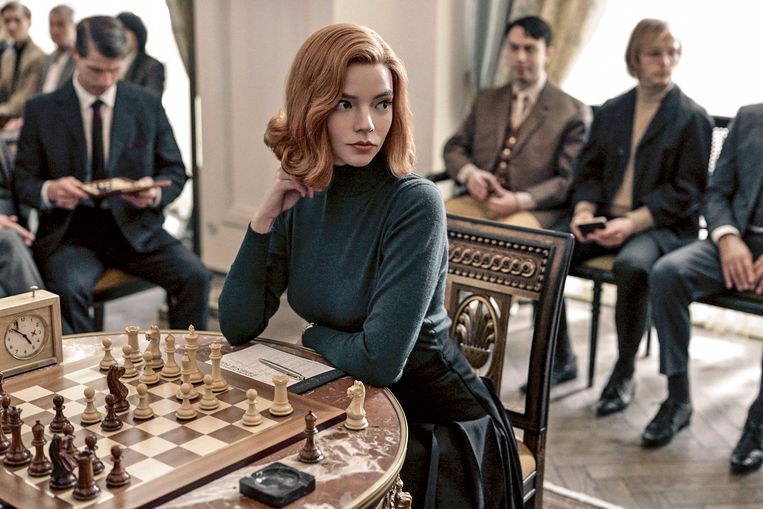Anya Taylor Joy als Beth Harmon in The Queen's Gambit.  Beeld Netflix