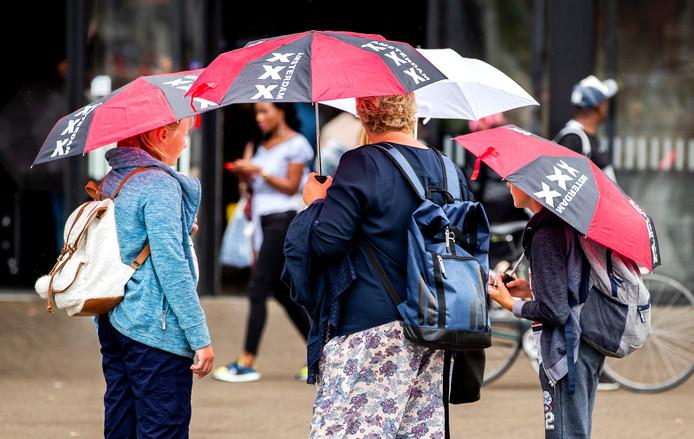 Vergeet de paraplu niet als je van huis gaat