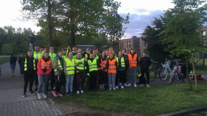 Zesdejaars fietsen naar Den Haag