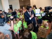 Ouders en kinderen trekken met handtekeningen naar stadhuis voor behoud trapveldje De Buut in Nijmegen
