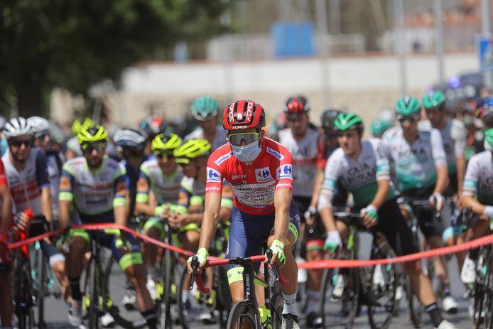 Een nieuwe dag in de Vuelta, met Christian Eiking in de rode leiderstrui.