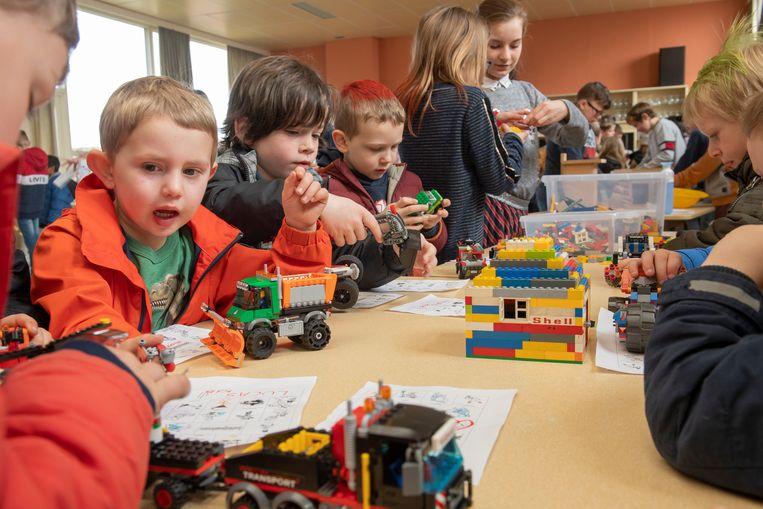 Ook dit jaar veel interesse in de bouwsector bij de kinderen en dat werd getoond met Legoblokjes.