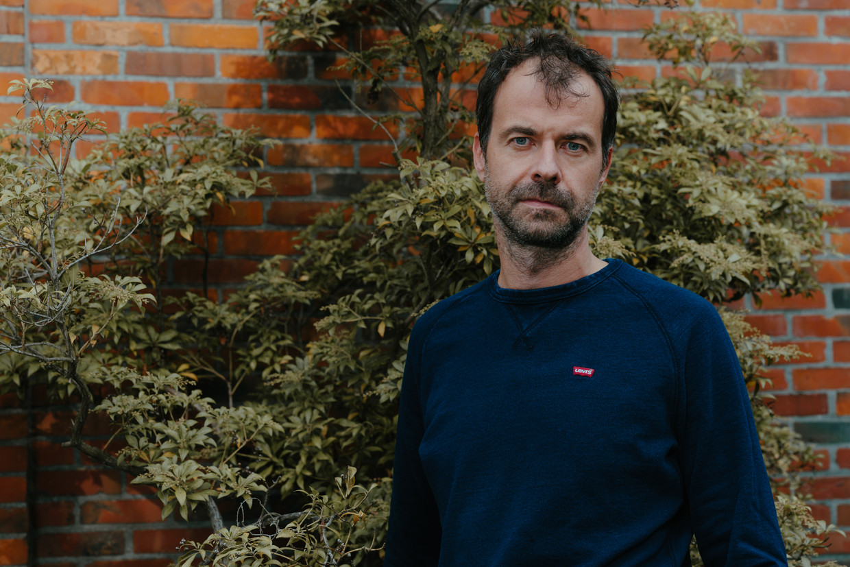 Filip Raes:  'Boekentitels als 'Stoppen met piekeren' of 'Nooit meer piekeren' zijn onzin.