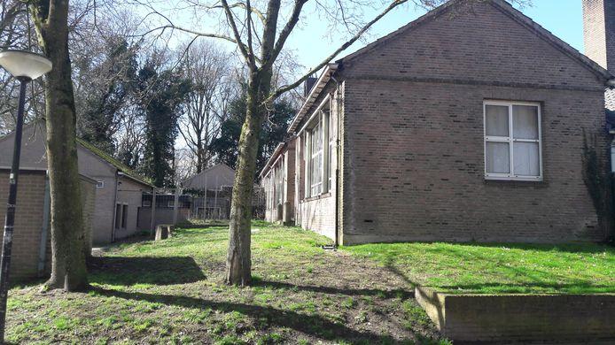 De locatie van voormalig basisschool De Vlieger in Hintham.