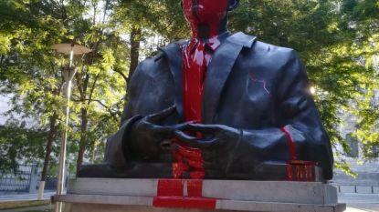 """Gemaskerde jongeren bekladden standbeelden van Leopold II en Boudewijn: """"Er wordt niet naar ons geluisterd"""""""