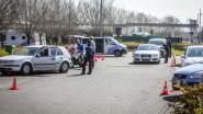 Blijf weg van de kust! Politie haalt 225 wagens van E40 in Jabbeke: 21 pv's uitgeschreven, gouverneur is voorlopig tevreden