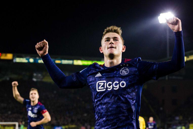 Ajax-verdediger Matthijs de Ligt viert zijn goal (0-1) tegen NAC Breda. Beeld ANP Pro Shots
